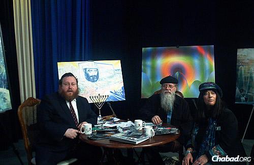 Katzman with art-Kabbalah mystics Dov Lederberg and his wife (who has since passed on), Yael Avi-Yonah, of Jerusalem.
