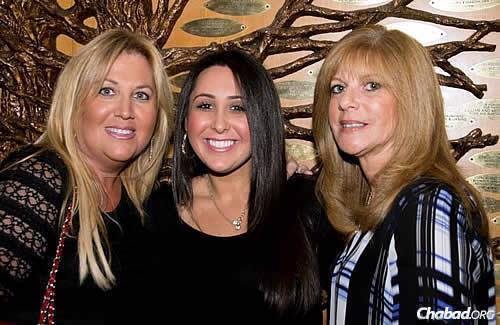 Knoll attended the dinner with family members Ashley Knoll, center, and Andrea Kaplan Knoll.