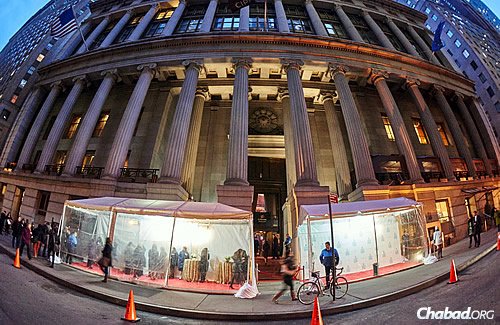 """The """"Founders Dinner"""" was held at the famed Cipriani Wall Street, which was turned strictly kosher for the night. (Photo: Pako Dominguez)"""