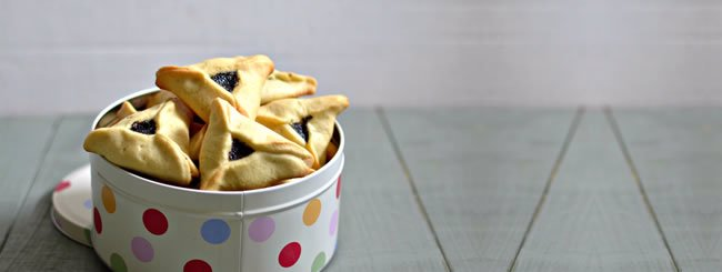Cookies: Traditional Poppy Seed Mohn Hamantaschen