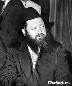 Baumgarten served as the Rebbe's first emissary to Buenos Aires, Argentina.