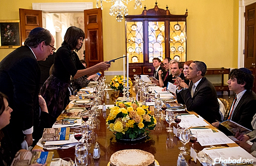 Shmurah Matzah at the White House: President Barack Obama and first lady Michelle Obama host an annual Passover seder at the White House for Jewish staff and friends. Here, a glimpse of the table in 2013 that included handmade shmurah matzahs. (Official White House Photo: Pete Souza)