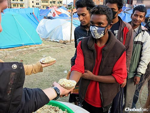 Chabad estimates that it prepared nearly 2,000 meals on Wednesday and will make even more on Thursday. (Photo: David Karsenty/Chabad of Nepal)