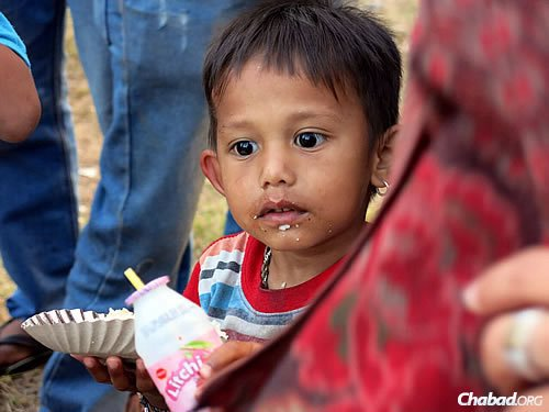 Chabad is able to restock on some basics like rice flour and fresh produce, and will continue to feed the hungry there. (Photo: David Karsenty/Chabad of Nepal)