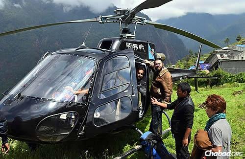 (Photos: Chabad.org/Nepal)