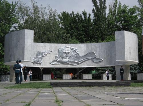 Мемориал Павшим ВОинам.jpg