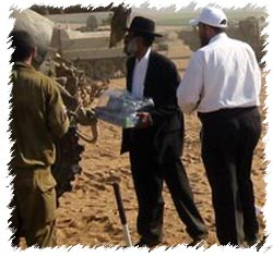 Chabad brings water and refreshments to the frontlines
