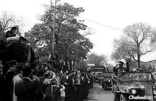 Lag BaOmer 5740: The grand parade in Crown Heights on Sunday, May 4, 1980. (JEM Photo)