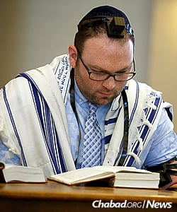 Jurgens, 31, read part of the service in Hebrew. (Photo: Avrohom Perl)