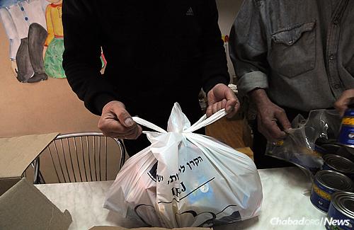 (Photo: Jonathan Alpeyrie for Chabad.org)