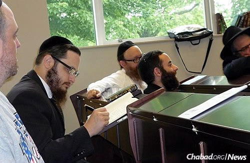 Learning is a large part of commemorating the anniversary of the Rebbe's passing. (Photo: Menachem Posner)