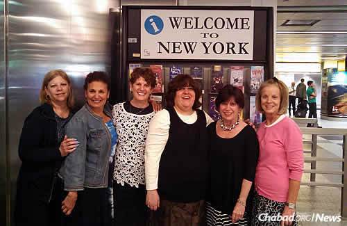 """""""Torah Sisters"""" affiliated with Chabad of Greater St. Louis arrive in New York for their visit to the Ohel and Crown Heights, from left: Peggy Umansky, Debbie Barash, Julie Eisenberg, Shiffy Landa, Susan Scribner and Rhonnie Goldfader."""