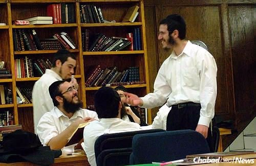 Yeshivah students engage in discourse at the West Coast Rabbinical Seminary in Los Angeles. (Photo: Mordechai Lightstone)