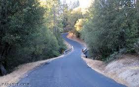 one lane road.jpg