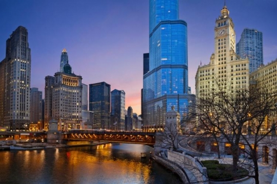 Chicago_skyline_night_Thinkstock-750.jpg