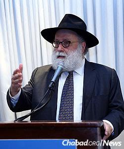 Rabbi Simon Jacobson of Brooklyn, N.Y., led a session on Israel advocacy (Photo: Bentzi Sasson, Chabad.edu)
