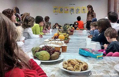 A Tu B'Shevat seder features an array of fresh fruit in honor of the Jewish hokiday.