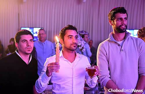 Havdalah ceremony at a Friends of Chabad dinner
