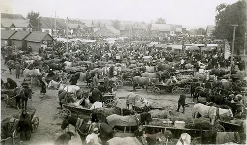 Market day at a shtetl in Poland