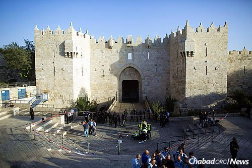 The Damascus Gate in the Old City of Jerusalem, where an attempted stabbing attack took place on Wednesday. (Photo: Yonatan Sindel/Flash 90)
