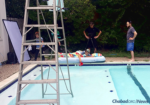 With the help of his family, Mendel Lazaroff had the song professionally recorded and then went on to make a music video with the help of his grandmother's swimming pool.