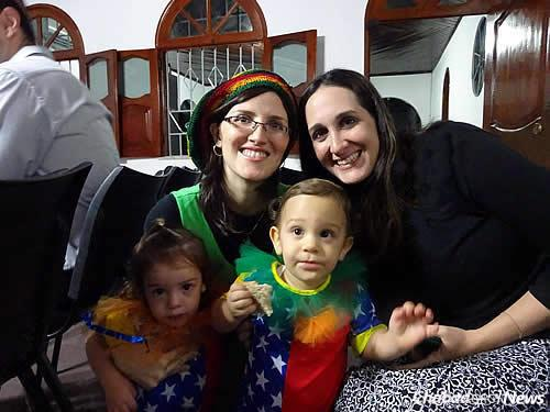 Dvorah Lea Raichman, left, with Tatiana Azulay, whose husband practices medicine in Manaus. Azulay thinks more women would go to the mikvah if one was constructed there.