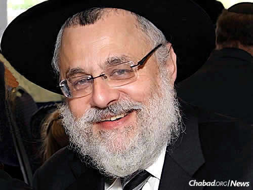 "Rabbi Shmuel Kaplan, chief Chabad-Lubavitch emissary to Maryland, has been airing a weekly program on Jewish.tv titled ""Discussions on Prayer."" It reached a significant milestone with his class having surpassed 100,000 views."