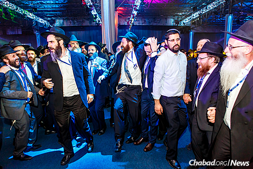Many of the guests invited to the conference and the banquet relished the opportunity to soak in the atmosphere of Brooklyn and the extended Chabad community. (Photo: Eliyahu Parypa/Chabad.org)