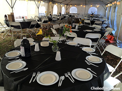 Some 200 students and community members took part in the Israel Solidarity Shabbat, which included Shabbat dinner under a tent.