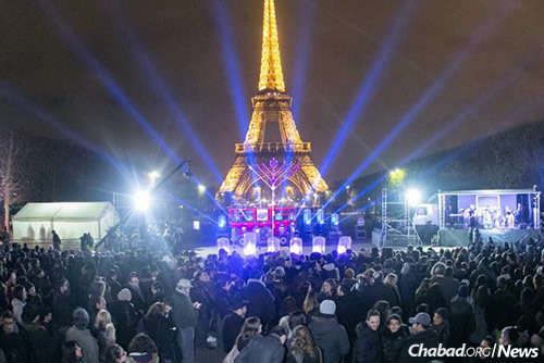The broadcast on Jewish.tv on the first night of Chanukah will link celebrations in Paris, Jerusalem and New York. (File Photo: Yaakov Guez)