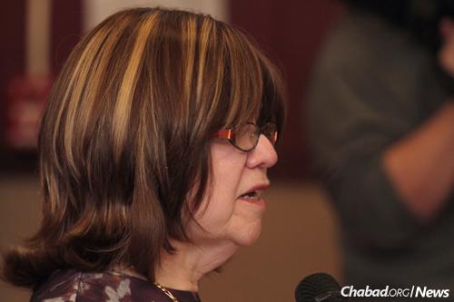 Devorah Shmotkin, principal of Hillel Academy, praised her students at the ceremony.
