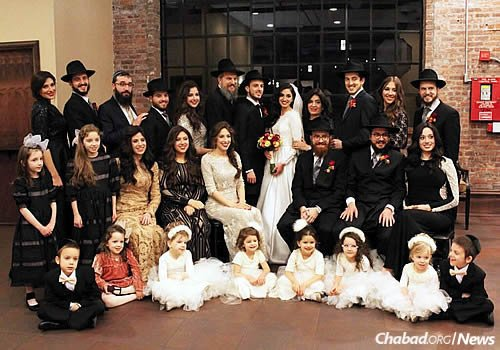 Rabbi Fine and family at a recent wedding
