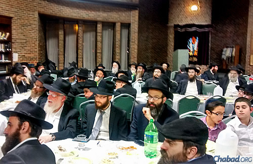 Gatherings will take place around the world, similar to this one at Congregation B'nei Ruven in Chicago. (File photo)