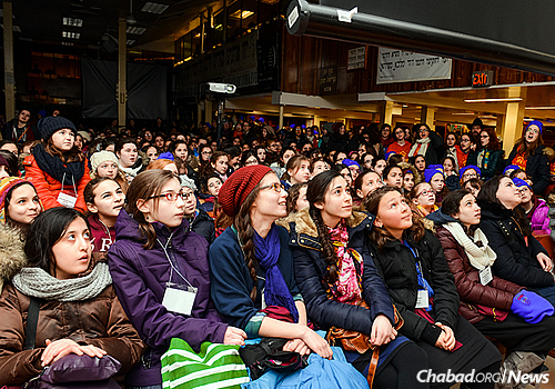 "The Kinus (Hebrew for ""conference"") for Young Shluchos began in 1995 with 30 children. Each year, it has grown; this year, nearly 800 girls and 200 staff members are expected to participate with girls coming from as far as Cambodia, Thailand and Australia. (Photo: Baruch Ezagui)"