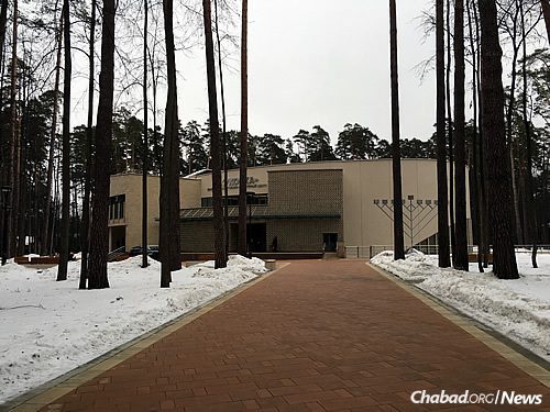 A view of the $22 million Zhukovka Jewish Community Center. Though located along the tony Rubelova highway, it serves thousands of Jews of all socioeconomic levels who live in surrounding areas.