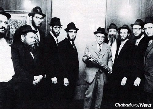 The Chabad-Lubavitch shluchim of 1973 with Zalman Shazar, the third president of Israel