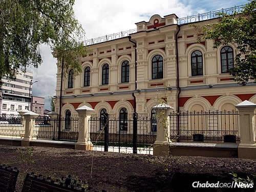The City Museum of Irkutsk, where the parochet was discovered (Photo: Wikimapia.org)