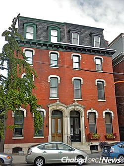 Typical housing in Northern Liberties, where Rabbi Gedaliah and Shevy Lowenstein run a Chabad center (Photo: Wikimedia Commons)