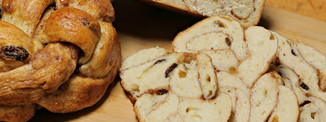 Why We Eat Round Challah on Rosh Hashanah