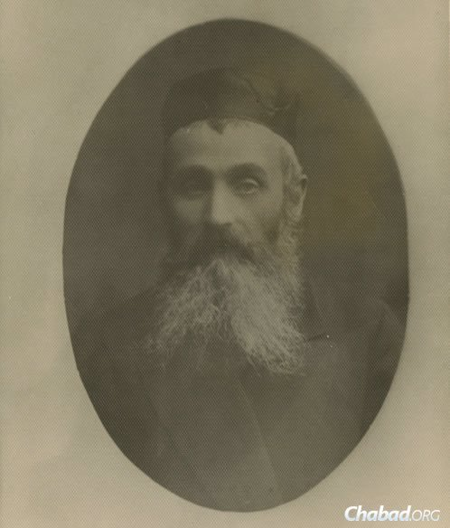Photo of Dovid Markish, Peretz's father. As described to us by Peretz's son, Dovid Markish was a teacher a the local cheder in Polonnoe, where he taught elementary school aged children how to read Hebrew. (Photo courtesy of the Blavatnik Archive)