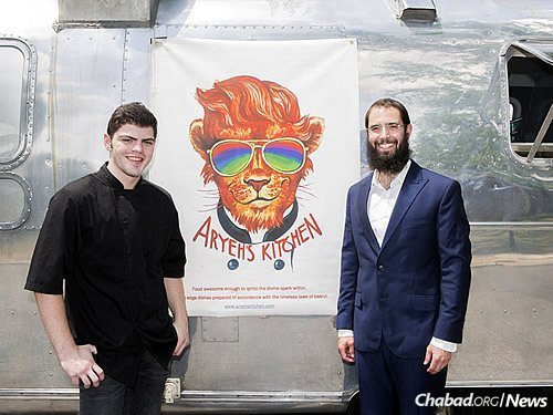 The university has been tremendously supportive of the initiative, granting Aryeh's (Zack Freeling's Hebrew name) Kitchen a permanent spot to park in the center of campus. (Photo: Courtesy of Vanderbilt University/Susan Urmy)