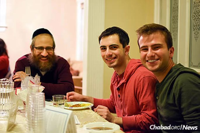 Male students tend to form close relationships with the rabbis, while female students develop strong bonds with their wives. The data shows that these relationships continue long after college is over. (Photo: Chabad on Campus International)