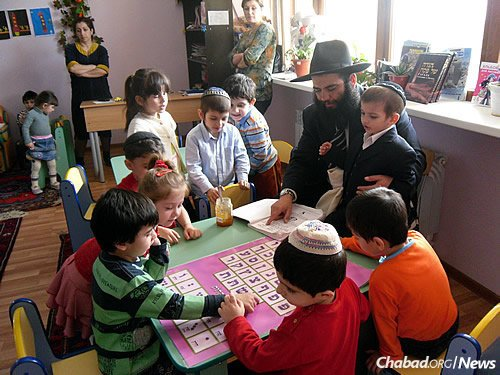 Teaching the younger generations at the Chabad-run kindergarten. Since beginning their work in Derbent 11 years ago, the Isakovs have helped to revive and strengthen a Jewish community with deep and ancient roots. (Photo: FJC)