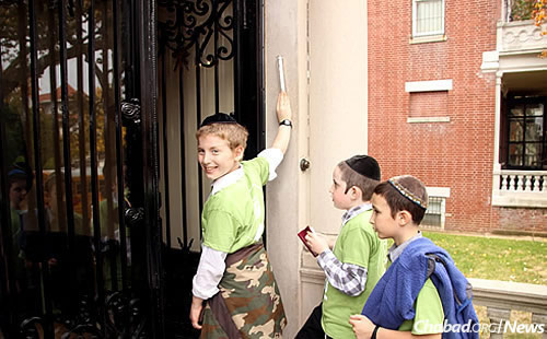 Visiting the home of the Lubavitcher Rebbe—Rabbi Menachem M. Schneerson, of righteous memory—on President Street.
