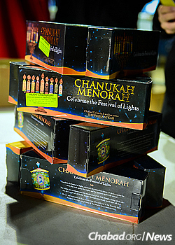 Menorah kits will be handed out at the event. (Photo: Baruch Ezagui)