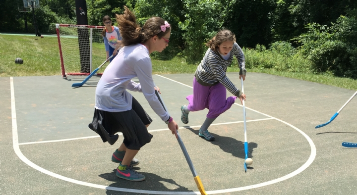 girls hockey.jpg