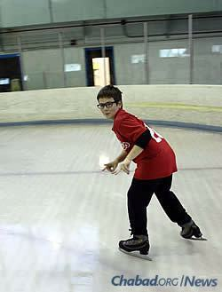 Jack Abramson enjoyed ice-skating last year at winter camp, which he looks forward to again. (Photo: Chabad of Delaware)